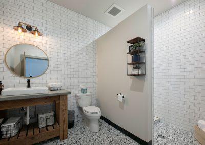 bathroom-wall